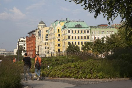 depositphotos 183269512-stock-photo-morning-in-moscow-view-of