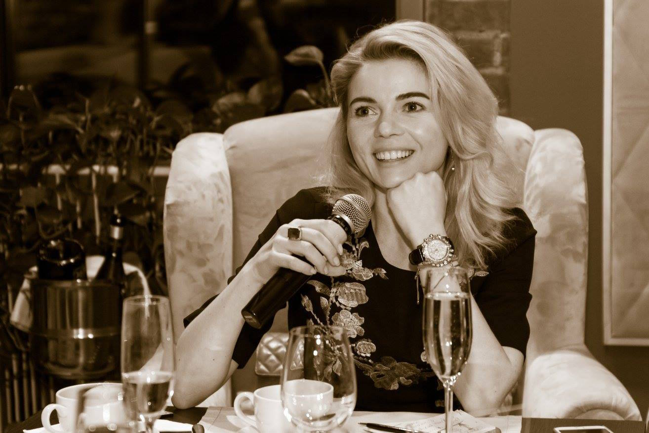 Елена николаева ведущая личная жизнь муж дети фото