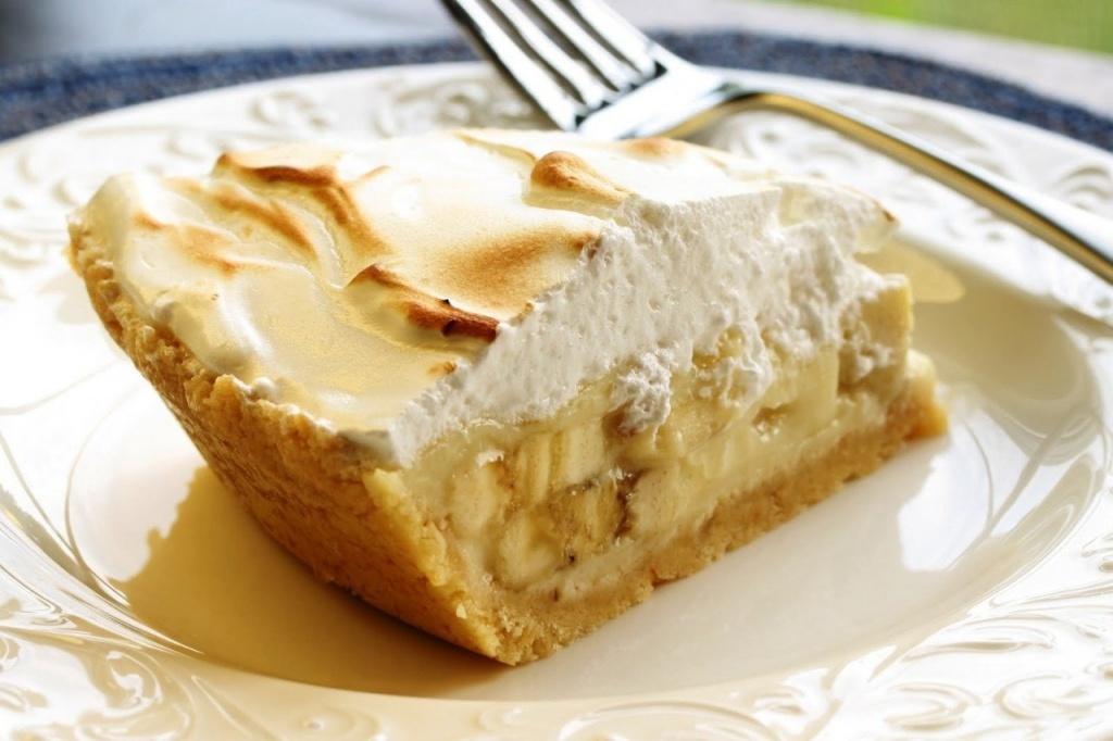 Творожно банановый торт без выпечки