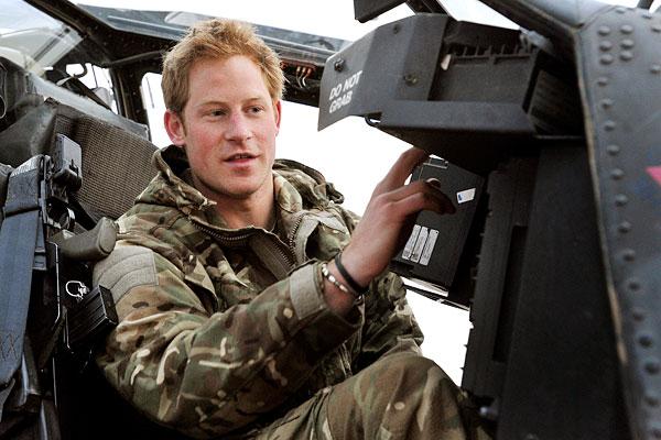 """Англия прекратила вывоз своих граждан и союзников из Афганистана и дарит им """"крокодиловы слезы"""" - фото 3"""